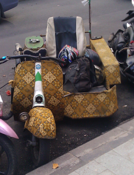 File:Bali-style-scooter.xcf