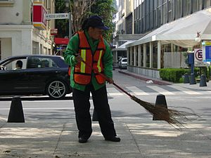 Street sweeper - Street sweeper in Paseo de la Reforma in Mexico City