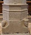 Base colonne porte cierge creuë.jpg
