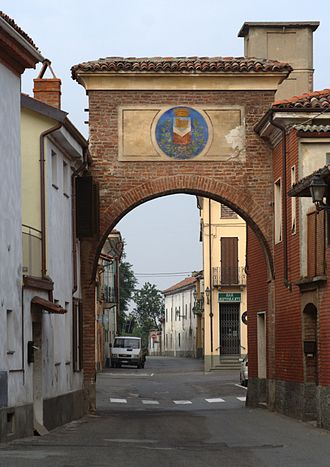 Bassignana - Entry gate with coat of arms