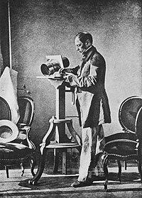 Bayard, Hippolyte - Selbstporträt im Atelier (Zeno Fotografie).jpg