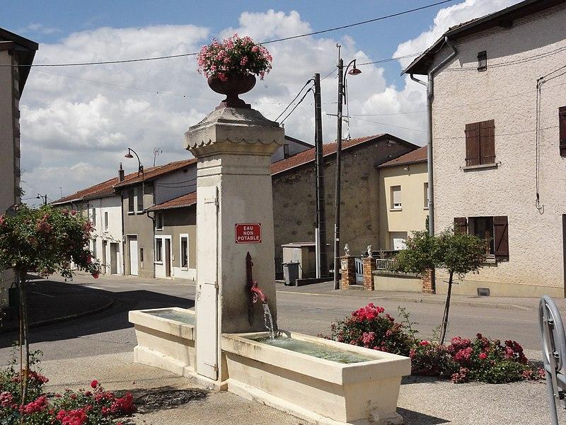 Behonne (Meuse) fontaine (citerne 1882)