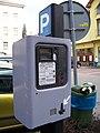 Beroun, parkovací automat u Billy, detail.jpg