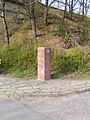 Beuel-fischereigrenzstein-stele-nordbruecke-02.jpg