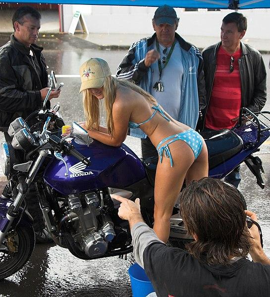 File:Bikini Bikewash fundraiser for Auckland Hospital Spinal Unit 04.jpg