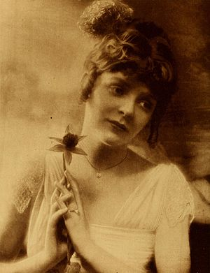 Blanche Sweet - Sweet, seen in an official January 1918 Photoplay publicity photo