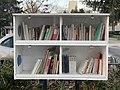 Boîte à livres à Rillieux vers le centre social de La Velette (2).jpg