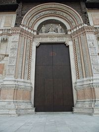 Bologna, Basilica di San Petronio 03.jpg