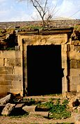 Bosra. Via colonnata - DecArch - 2-36.jpg