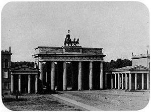Berlin Brandenburger Tor Staatspolitisches Handbuch Im Netz