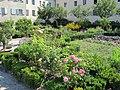 Bressanone, giardino di corte 05.JPG