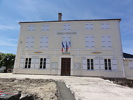 The town hall in Brioux-sur-Boutonne