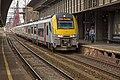Brussel-Zuid NMBS 08026 uit Antwerpen als IR naar Nijvel komt Brussel binnenrijden (14982730842).jpg