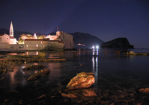 Montenegrin Littoral - Image: Budva nocu