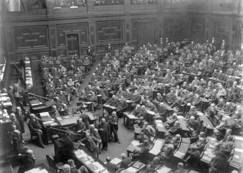 Bundesarchiv Bild 147-0978, Reichstag, Plenarsitzungssaal