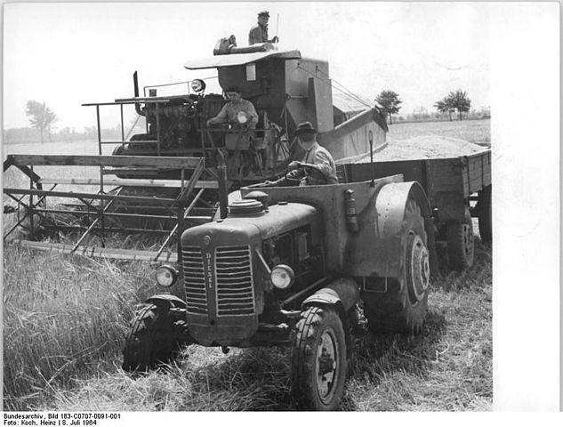 Soubor:Bundesarchiv Bild 183-1987-0318-003, Berlin