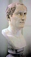 Cesare con il volto glabro