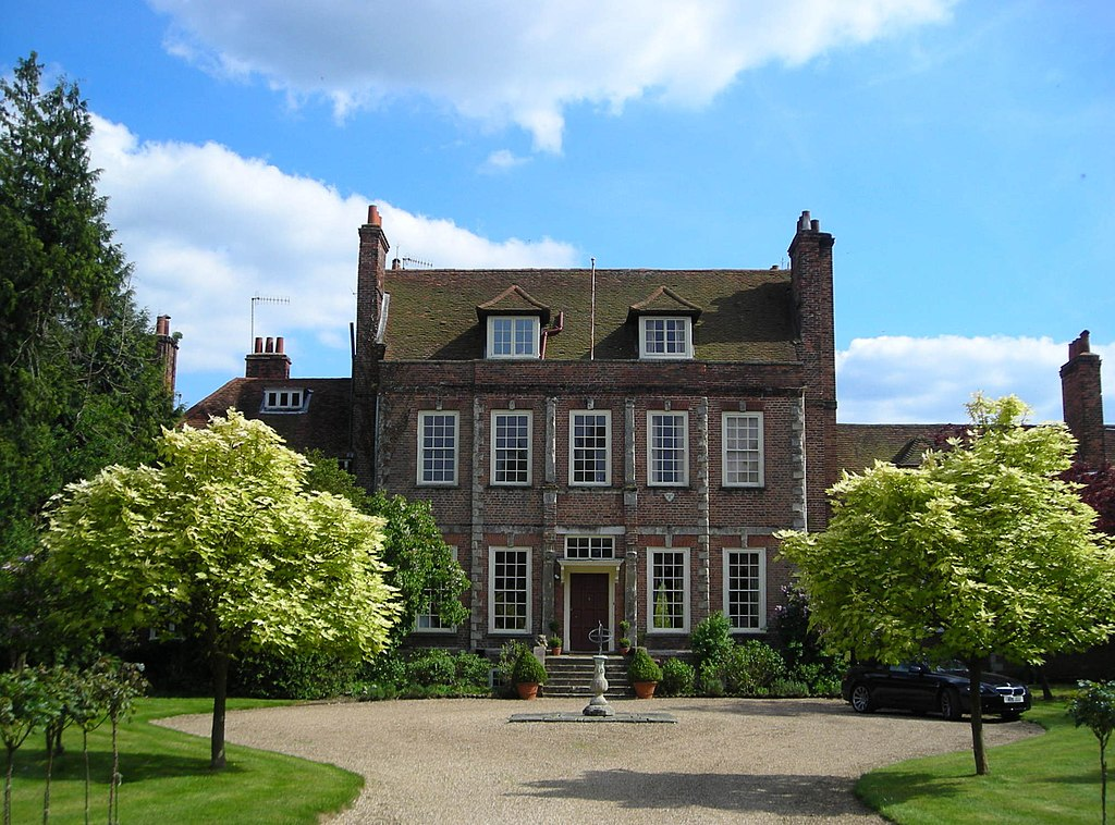 File Byfleet Manor House Geograph 3492825 Cropped And Squared Up Jpg Wikimedia Commons