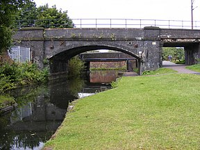 Canal Bridges, Horseley Fields - geograph.org.uk - 928936.jpg