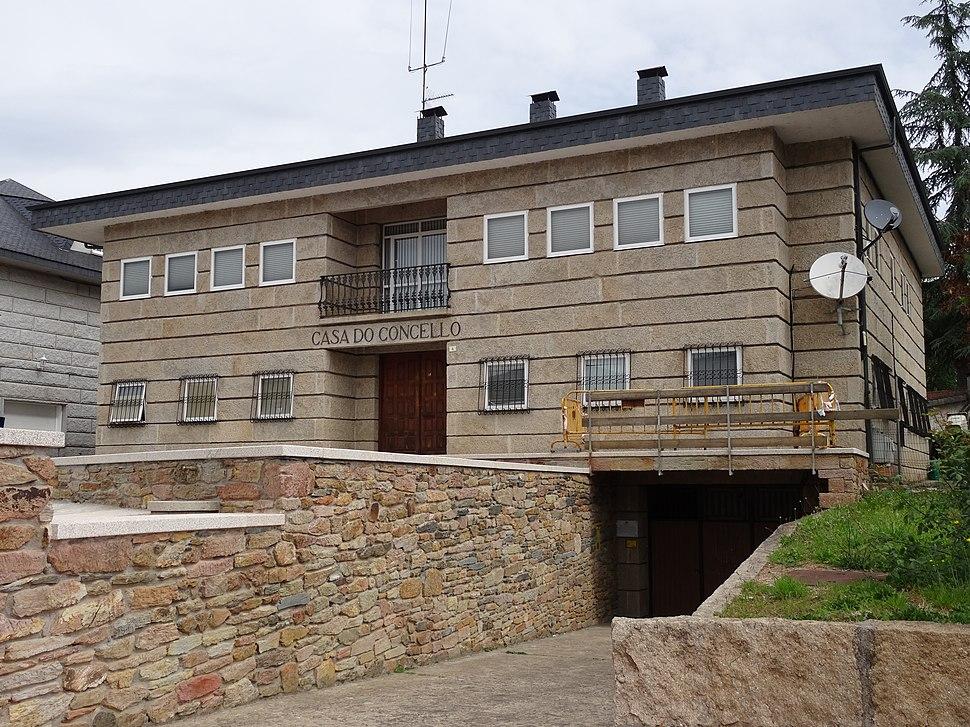 Casa concello Laza 2