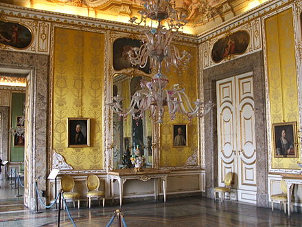Late Baroque art inside the Palace of Caserta. Caserta-reggia-15-4-05 063.jpg