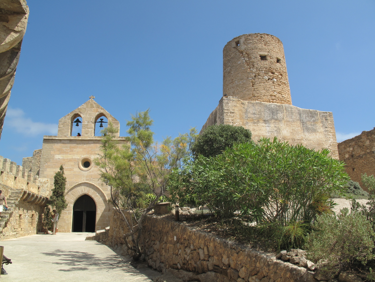 File:Castell de Capdepera 3619.png - Wikimedia Commons