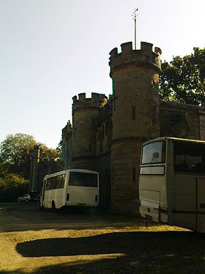 Castle Goring - Image: Castle Goring With Coaches