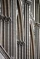 Cathédrale de Bayeux - pilastres de la nef - retouche.JPG