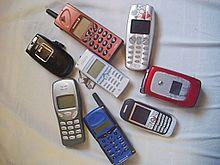 f09a448e7278c8 Plusieurs téléphones mobiles des années 1990-2000