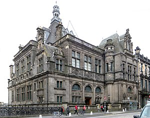 Central Library, Edinburgh - Panoramic image of the front of Central Library on George IV Bridge in Edinburgh.