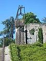 Château de Langeais - Pompe à eau.jpg