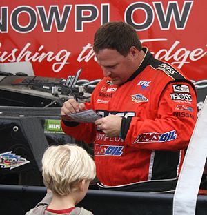 Chad Hord - Image: Chad Hord Signing Autographs Before Winning 2011 AMSOIL World Championship