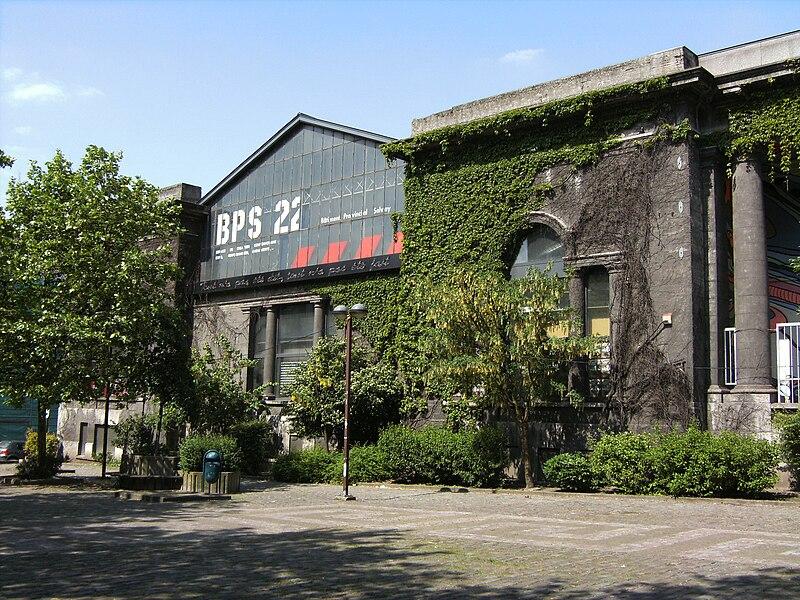 À Charleroi (Belgique), le B.P.S.22 est l'espace de création contemporaine de la Province de Hainaut.