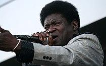 Charles Bradley - The Menahan Street Band (Jazz Fest Wien 2011) 27.jpg