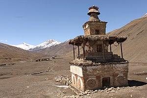 Dho - Image: Chorten Dolpo Dho Tarap valley