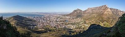 Ciudad del Cabo desde Cabeza de León, Sudáfrica, 2018-07-22, DD 20-23 PAN.jpg