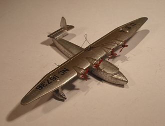 Dinky Toys - No. 60w Sikorsky S-42, suffering from zinc pest
