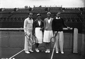 Hilde Krahwinkel Sperling - Henri Cochet, Eileen Bennett Whittingstall, Hilde Krahwinkel and Gottfried von Cramm, Roland Garros 1932