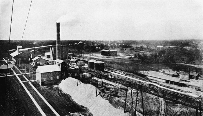 Collier's 1921 Texas - cement works.jpg