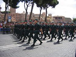 Comando Subacquei ed Incursori marching.jpg