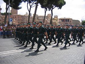 Comando Raggruppamento Subacquei e Incursori Teseo Tesei - Image: Comando Subacquei ed Incursori marching