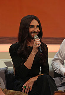 Conchita Wurst at 214. Wetten, dass.. show in Graz, 8. Nov. 2014 03.jpg