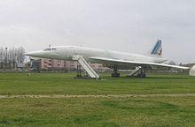 Concorde 102 visibile al musée Delta all'aeroporto di Parigi-Orly.