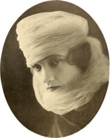 Constance Talmadge 1917.png