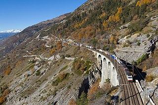 railway line in Switzerland, linking Spiez in the Bernese Oberland with Brig in the Valais