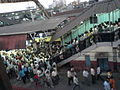 Crowd of people on Bandra station platforms 4 and 5.jpg