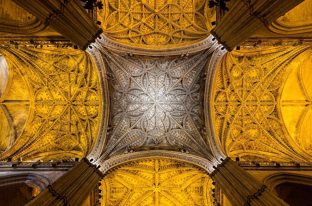 > Vue de la voûte de la cathédrale de Séville, Espagne. Photo de Diego Delso