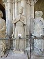 Crypte de la cathédrale Saint-Étienne de Bourges-Statues gothiques (2).jpg