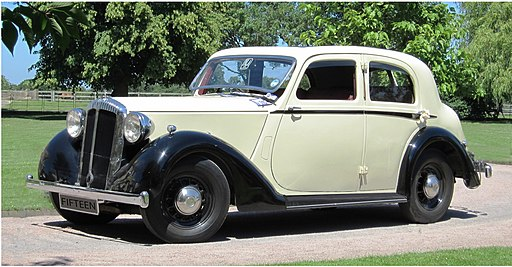 Daimler mfd 1937 first registered UK Jan 1999 New 15 four-light sports saloon 02