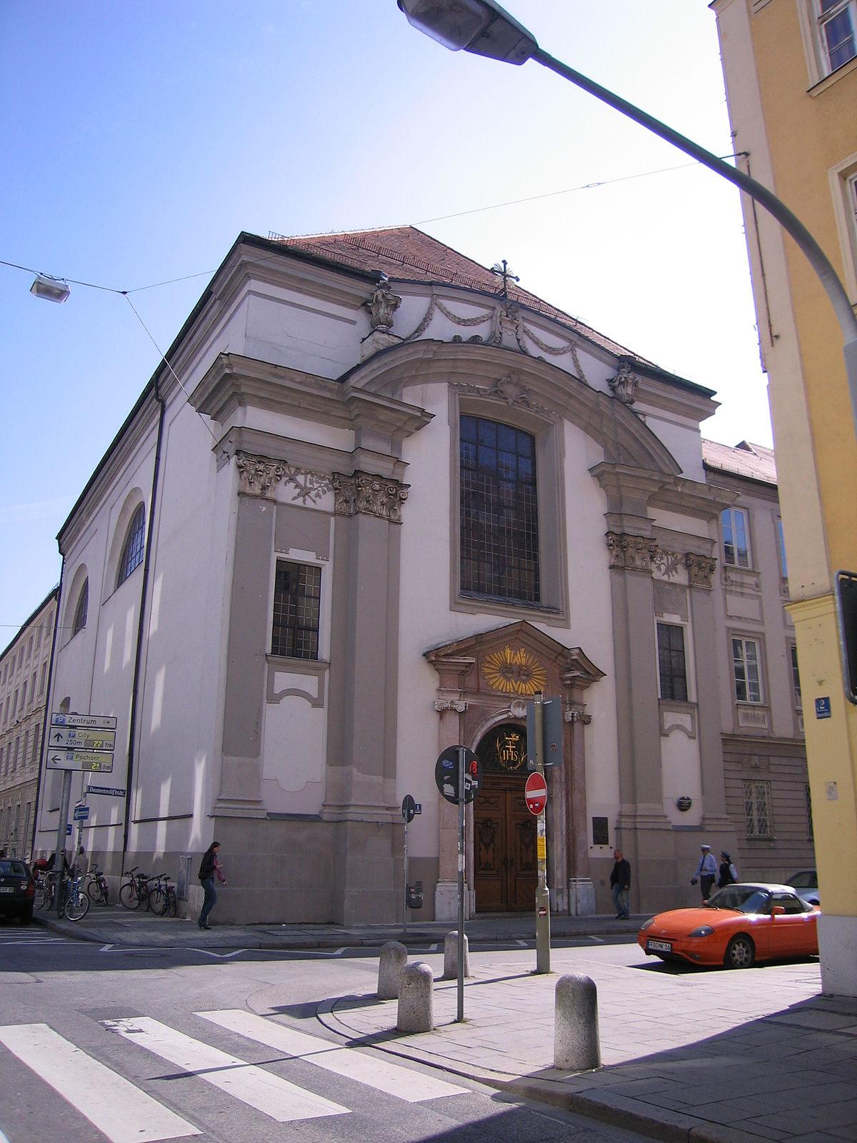 Damenstiftskirche St. ...